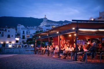 la terraza del Boia Nit en Cadaqués